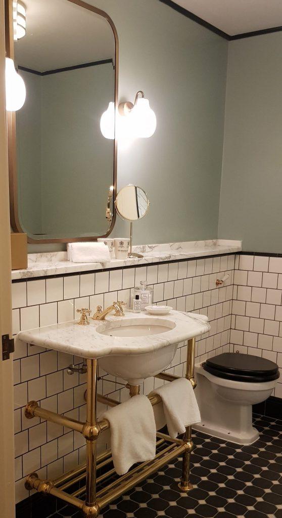 Luxury University Arms Hotel Cambridge Gold Bathroom Decadent