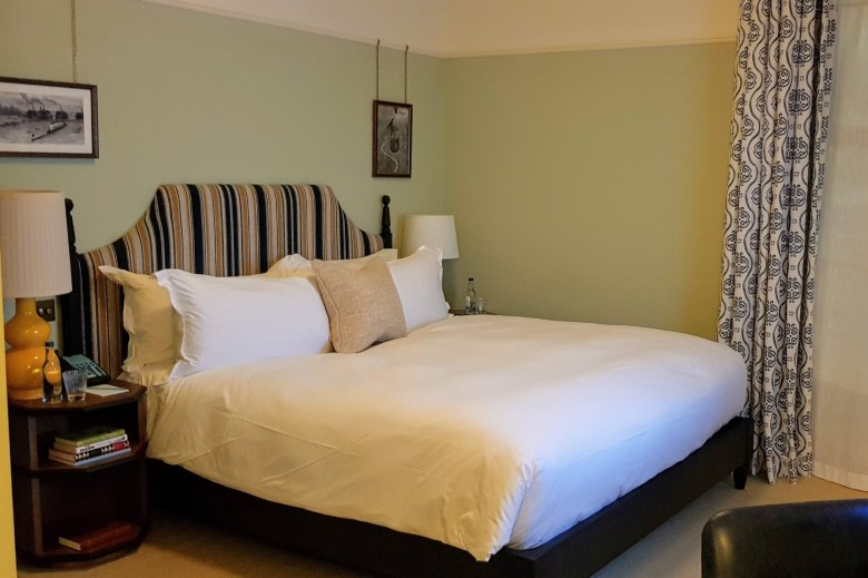 Luxury University Arms Hotel Cambridge King Bed Room Hypnos
