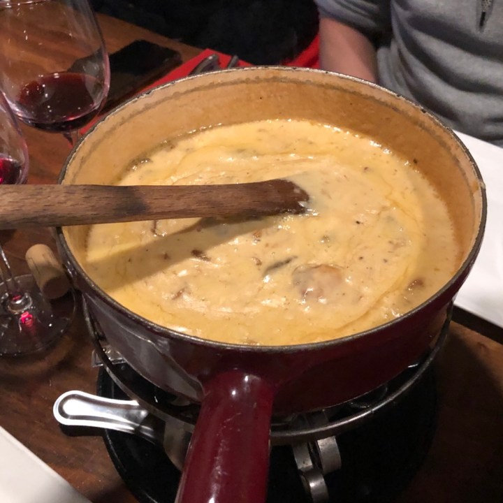Le Rustique Les Deux Alpes Top 5 Restaurants Best Mushroom Fondue
