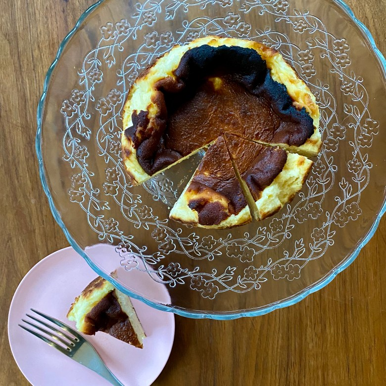 Basque burnt cheesecake recipe easy simple beginner cream cheese double egg vanilla