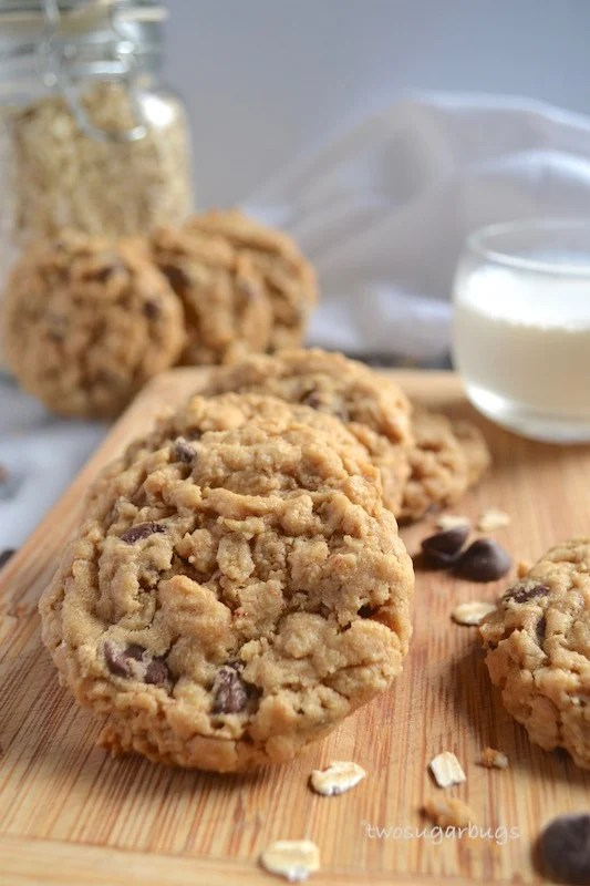 Oatmeal, peanut butter, chocolate chip cookies. Fat, chewy and incredibly irresitible! #cookiemonster #cookielove #oatmealcookies #peanutbutterlover