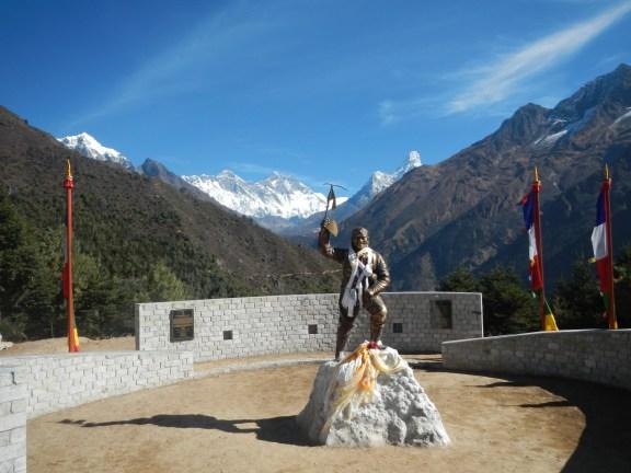 Statue of Tenzing Norquay