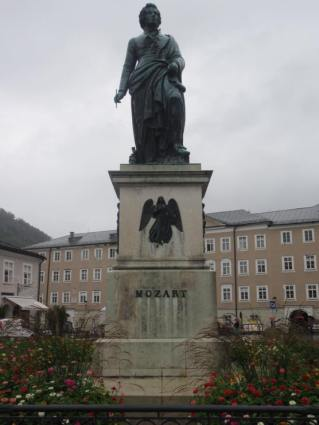 Mozart Statue (one of many).