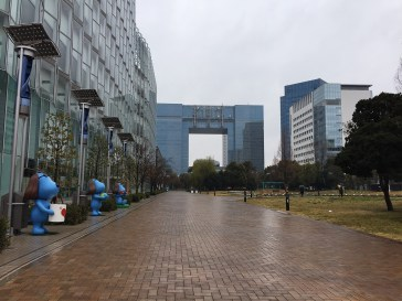 The artificial island Odaiba (where the Miraikan is) is a contrast to the rest of Tokyo. Modern buildings and a lot of space