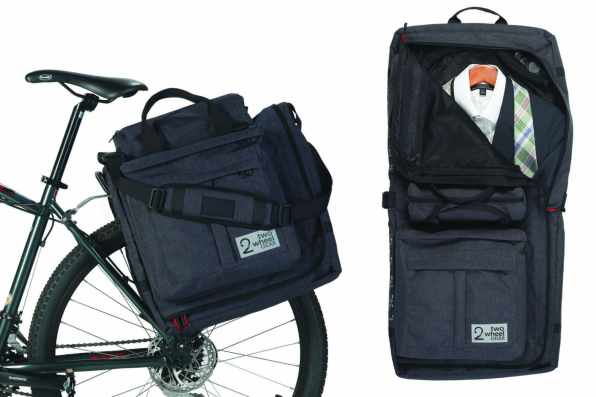 two-wheel-gear-classic-2-0-garment-pannier-graphite-on-bike