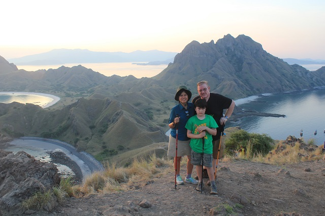 Two Worlds Treasures - atPadar Island with the famous background.