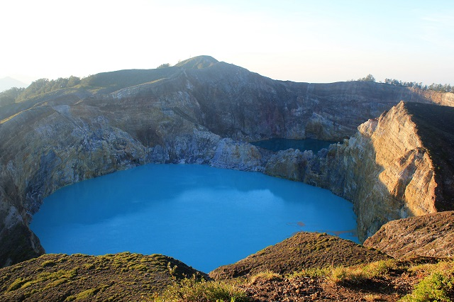 Flores: Mt. Kelimutu: blue crater: Two Worlds Treasures