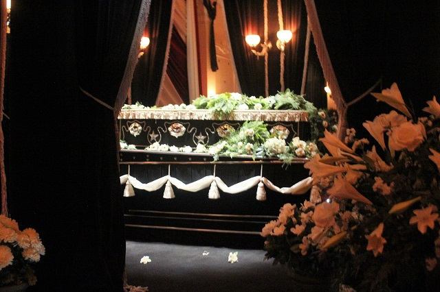 Abraham Lincoln Presidential Museum: Lying in State: Two Worlds Treasures