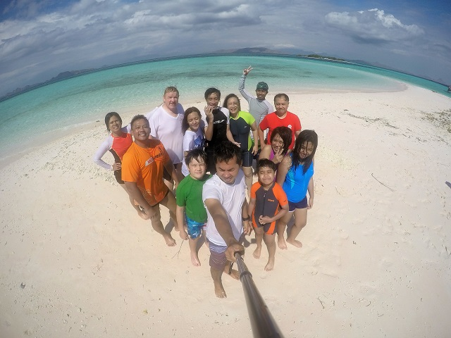 Island Hopping Flores Day 2 - Giant Sandbox - all of us - Two Worlds Treasures