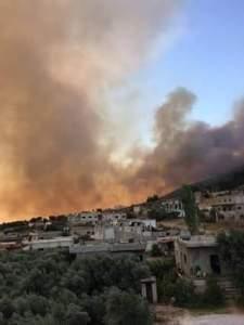 القصف العنيف يوقف صلاة الجمعة بأدلب ودوما