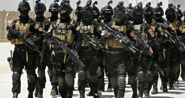 """ذكرت صحيفة """"نيويورك تايمز""""، اليوم الأربعاء، أن إدارة الرئيس باراك أوباما تدرس خطة عسكرية للقيام بشكل مباشر بتسليح أكراد في سورية يحاربون تنظيم """"الدولة الإسلامية"""" (داعش)، في خطوة وصفتها الصحيفة بأنها """"تغير سياسي نوعي قد يسرع الهجوم على التنظيم الإرهابي، لكنه يصعد التوتر بين تركيا والولايات المتحدة"""". وأشارت إلى أن الخطة تناقش بين أعضاء مجلس الأمن القومي الأميركي، وأن الرئيس أوباما أعطى توجيهات لمساعديه لبحث كل المقترحات التي يمكن أن تصعد القتال ضد تنظيم """"الدولة الإسلامية""""، وقد أبلغهم أنه يريد شن هجوم جيد الإعداد على الرقة، معقل التنظيم في شمال سورية، قبل مغادرته البيت الأبيض. كما ذكرت الصحيفة أنّ اتخاذ قرار بتسليح الأكراد في سورية سيكون قراراً صعباً لأوباما، المحكوم بمراعاة الموازنة بين المصالح التركية وطموحات الأكراد السوريين. والطرفان حليفان عسكريان للولايات المتحدة، وتحتاجهما لمحاربة التنظيم الإرهابي. """"تقديم أسلحة لأول مرة بشكل مباشر للأكراد في سورية سيمهّد للهجوم على الرقة"""" وبحسب """"نيويورك تايمز"""" فإن خطوة """"تقديم أسلحة لأول مرة بشكل مباشر للأكراد في سورية، الذين يعتبرهم الضباط الأميركيون من أكثر الحلفاء فعالية على الأرض ضد """"داعش""""، سيمهد الطريق للهجوم على الرقة. ولكن تسليح الأكراد سيفاقم من توتر العلاقة، المتوترة أصلاً، بين أوباما والرئيس التركي، رجب طيب أردوغان. وأوضحت أن القيادة الوسطى في وزارة الدفاع الأميركية، التي تقود العمليات العسكرية الأميركية في الشرق الأوسط، دققت في خطة تسليح الأكراد التي تتضمن تقديم أسلحة خفيفة وذخائر، وبعض التجهيزات للمهمات الخاصة، ولكنها لا تتضمن أسلحة ثقيلة، كالصواريخ المضادة للدبابات والأسلحة المضادة للطائرات. كذلك، نقلت عن مسؤولين أميركيين أن الخطة لم تقدم بعد إلى المستويات العليا في الإدارة من أجل اتخاذ القرار بشأنها، في حين رفض البيت الأبيض التعليق."""