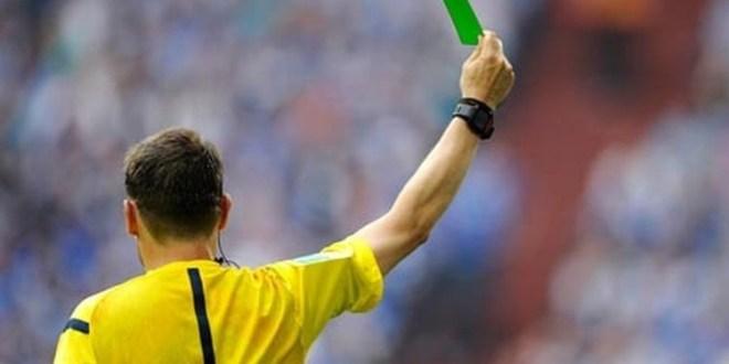 فيديو.. إشهار أول بطاقة خضراء في تاريخ كرة القدم