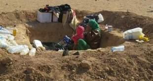 منعوهم من دخول الحسكة فحفروا الأرض لتقيهم من البرد..نازحي الموصل معاناة مزدوجة