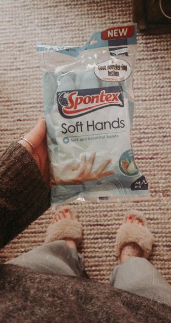 My End Of Week Cleaning Routine - spontex soft hands rubber gloves