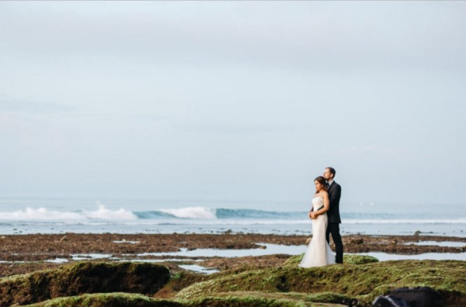 pre-wedding photoshoot locations indonesia - Suluban beach - Wed Over Hills