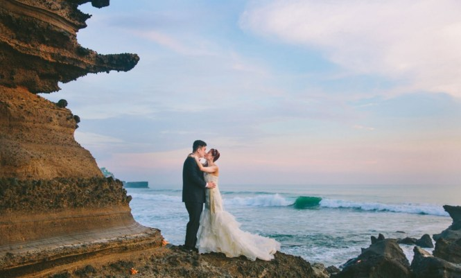 pre-wedding photoshoot locations indonesia - Tanah Lot Temple - OneThreeOneFour