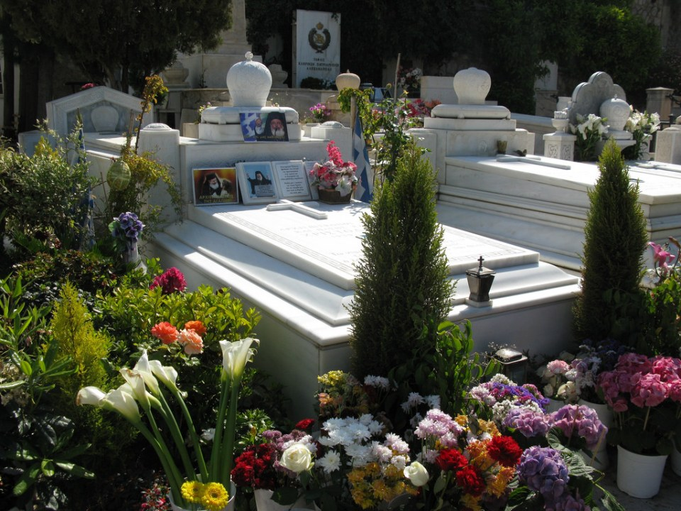 athens-honeymoon_first-cemetery-of-athens