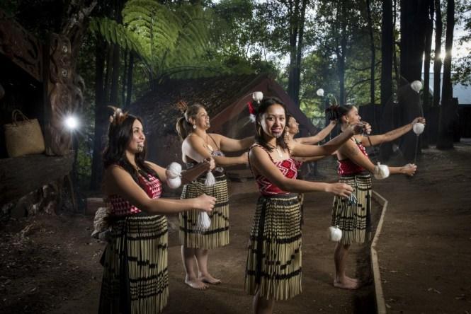 New Zealand Honeymoon rotorua-maori-culture-3
