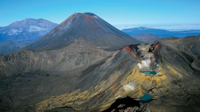 New Zealand Honeymoon Tongariro Alpine Crossing