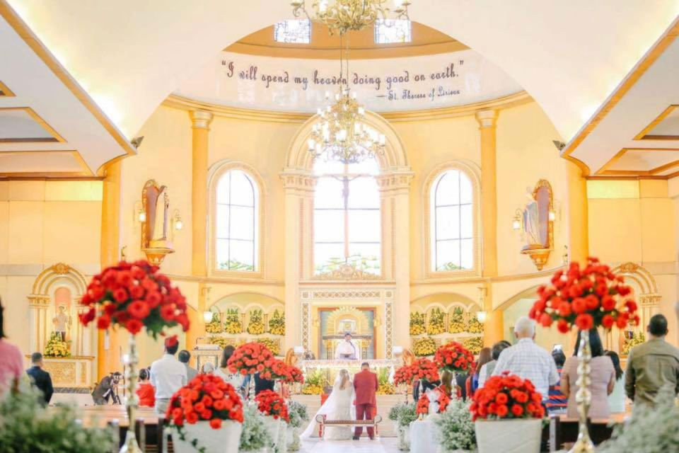 Photo via Heavenly Weddings