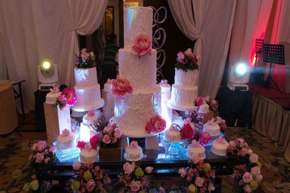 wedding dessert tables - Sugarbox