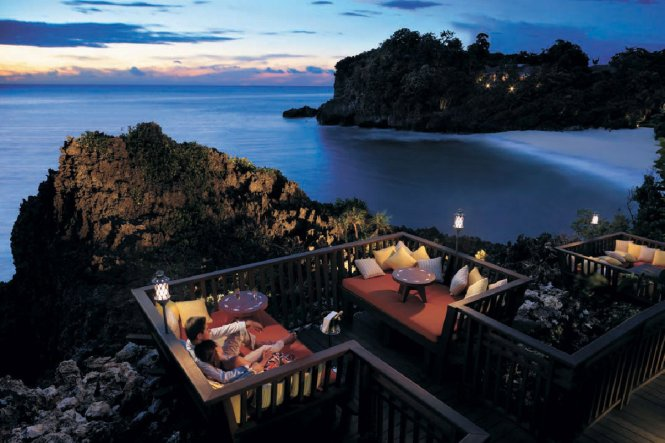 Philippines honeymoon destination - Shangri-La's Boracay Resort and Spa - Queensland Brides