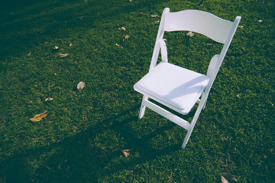 rent wedding chairs - Cilla & Co.