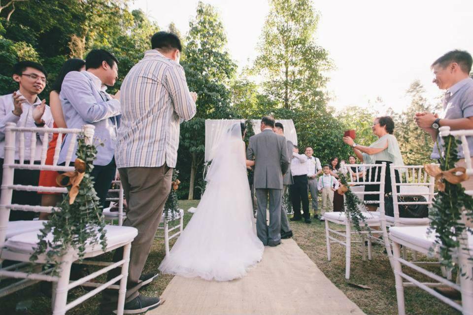 Photo via Celestial Weddings