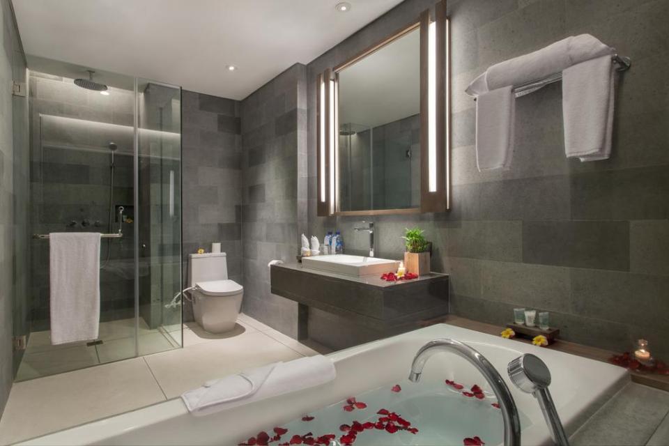 Wyndham Tamansari Jivva Bali Resort_Room Toilet