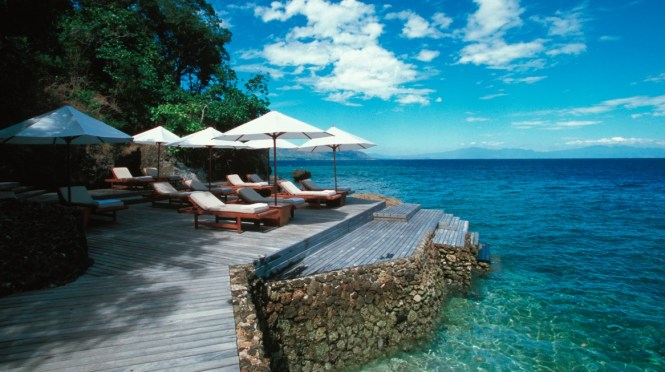 honeymoon destinations indonesia - Amanwana - Carrier
