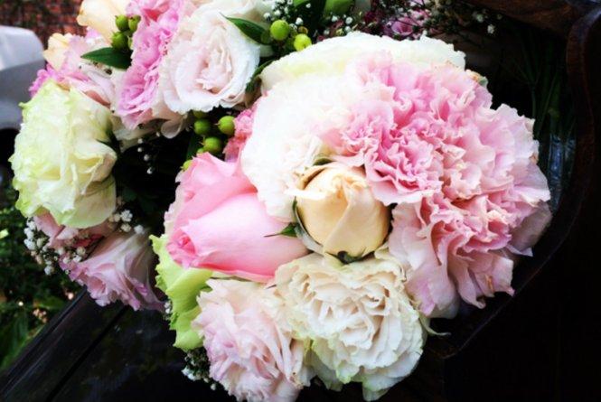 Photo via Petals and Leafz