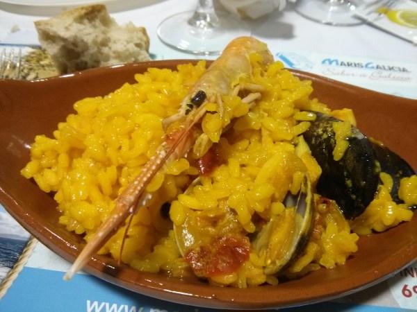 Arroz con marisco al estilo gallego en MarisGalicia Bilbao.