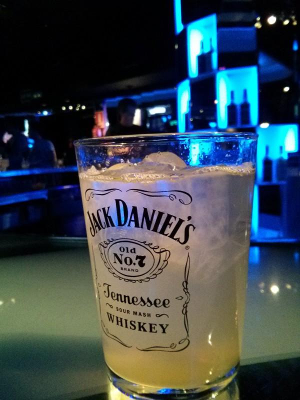 Cóctel Lynchburg Lemonade en el T-Club de Madrid durante el JackTour.