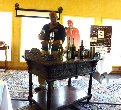 Messina Hof private tasting - tasting wine