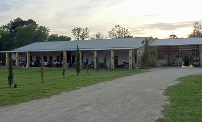 Los Pinos - outside