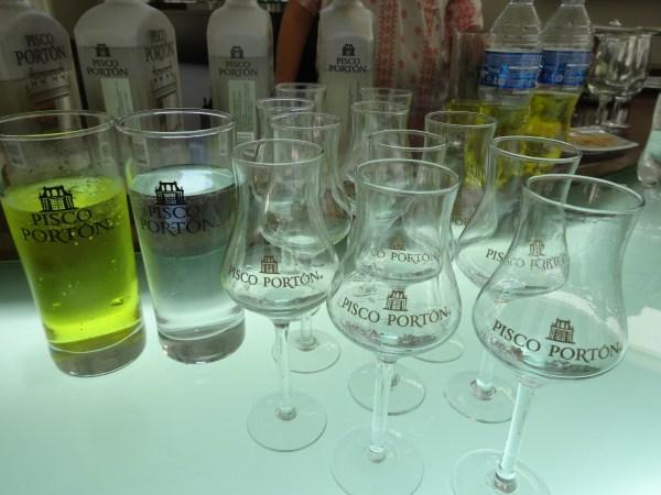 Pisco Portón glasses