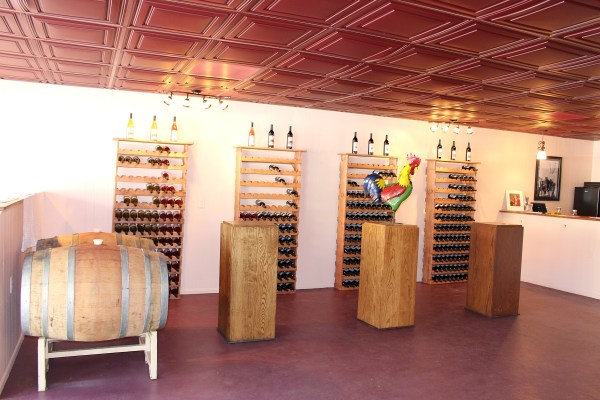 Hahne Tasting room with bottles