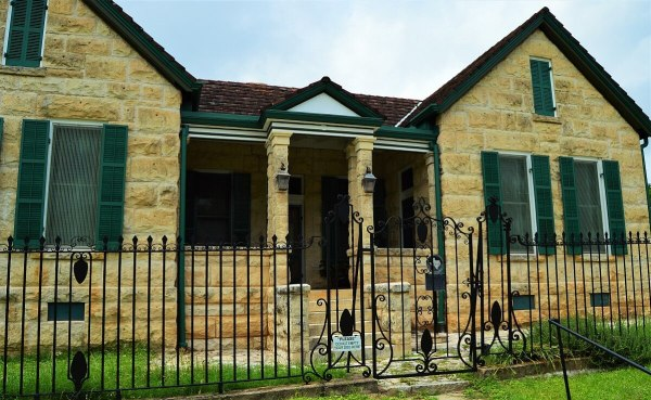 Comfort Historical Home
