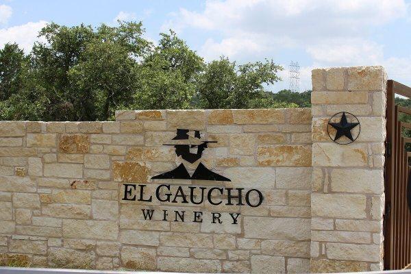 El Gaucho Winery - sign