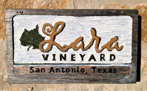 Lara Vineyard Sign