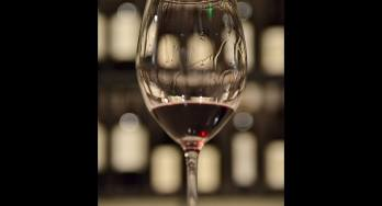 red wine glass - featured