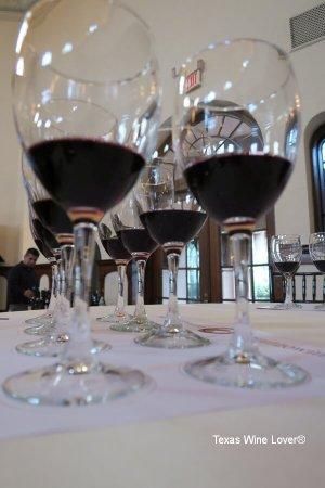Abruzzo wine glasses