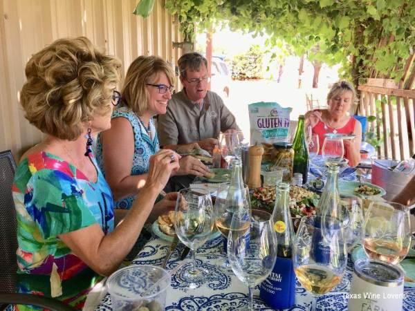 Pheasant Ridge Winery picnic