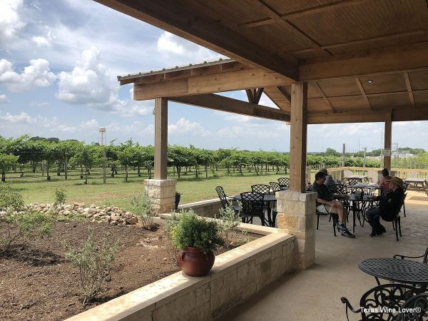 3 Texans Winery patio