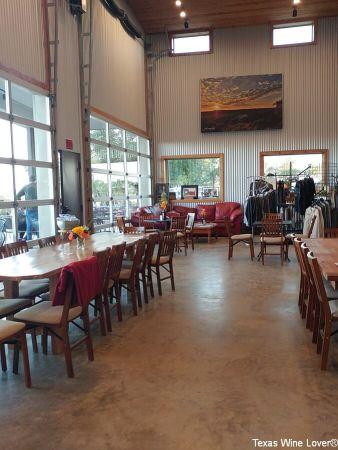 Hawk's Shadow Winery tasting room