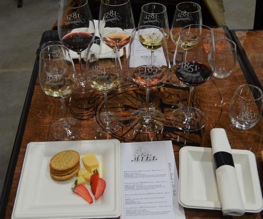 Slate Mill Wine Collective wine tasting