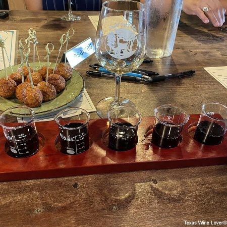Busted Oak Cellars wine tasting
