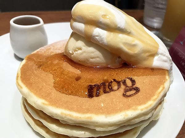 なんと見栄えのするパンケーキ!なんとも愛おしい気持ちになってしまいます!!