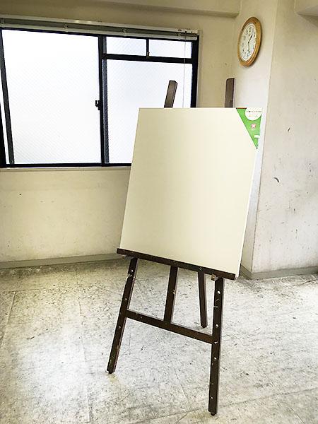 今年、初めて20号という大きなサイズのキャンバスに挑戦します。