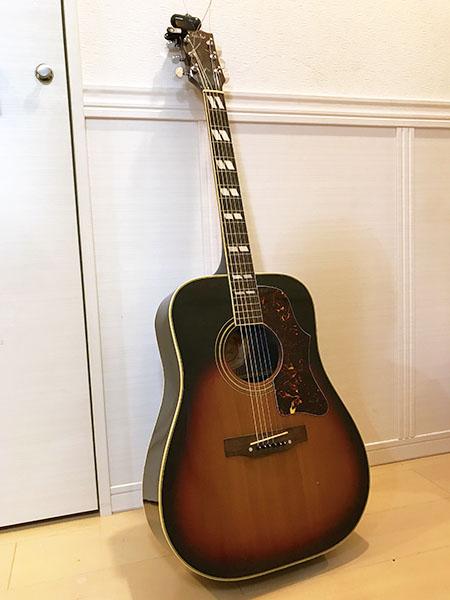 かなり「おじいちゃん」な我家のギター。大丈夫か??